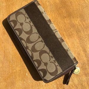Large Authentic COACH wallet